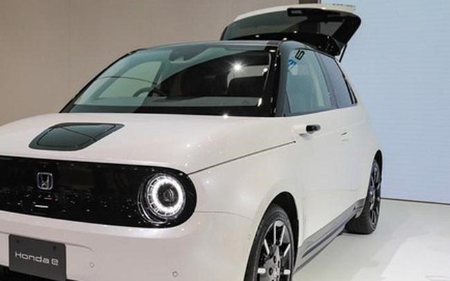 Nhật Bản có thể sẽ cấm bán ô tô sử dụng động cơ đốt trong từ giữa năm 2030