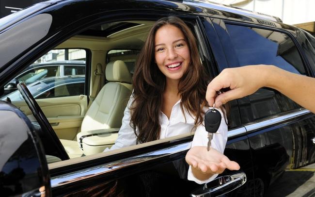 Khi nào là thời điểm tốt để bạn mua một chiếc xe ô tô mới?