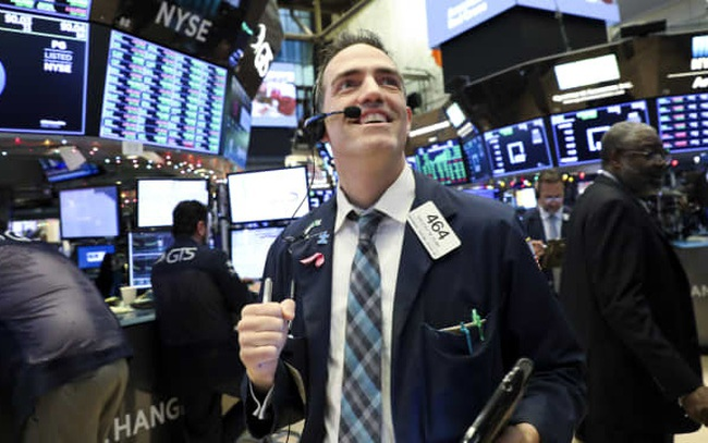 Phố Wall tiến sát đỉnh lịch sử, Dow Jones tăng điểm 4 trên 5 phiên vừa qua