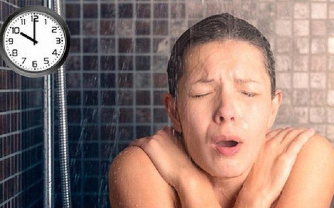 Thêm một trường hợp thanh niên 23 tuổi tử vong do tắm đêm: Những cấm kị khi tắm để tránh nguy hiểm tính mạng