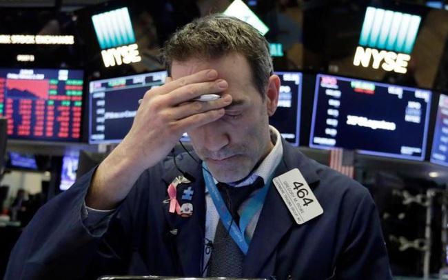 Cổ phiếu công nghệ đồng loạt bị bán tháo, Phố Wall mất đà tăng, S&P 500 lần đầu tiên rớt điểm sau 8 phiên