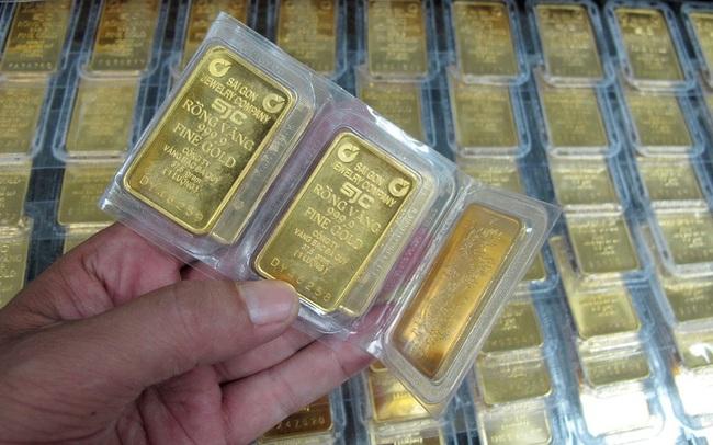 Biến động chưa từng có, chênh lệch giá vàng mua vào – bán ra bị đội lên 4 triệu đồng/lượng
