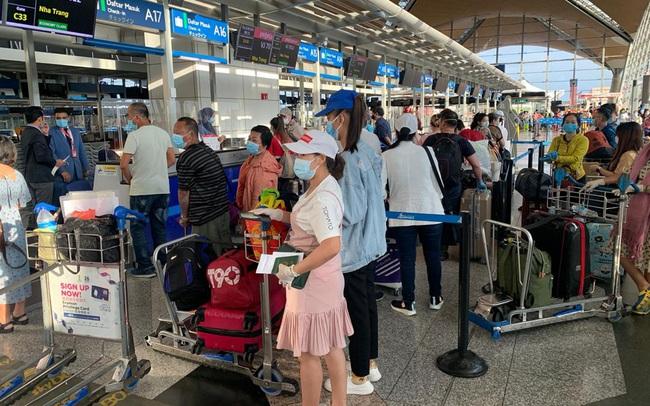 Đưa gần 240 công dân Việt Nam từ Malaysia về nước an toàn