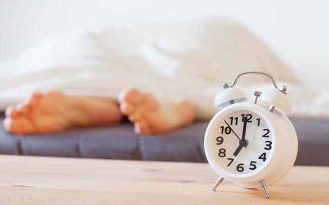Người sống thọ thường thích làm 4 việc sau khi thức dậy và ăn 5 thực phẩm giúp ngăn ngừa lão hóa