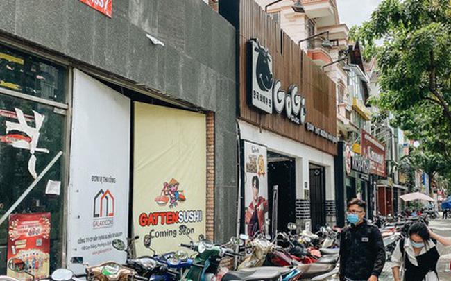 """Hơn nửa năm đóng cửa vì dịch Covid-19, giá thuê mặt bằng trên đường Phan Xích Long vẫn chưa """"hạ nhiệt"""""""