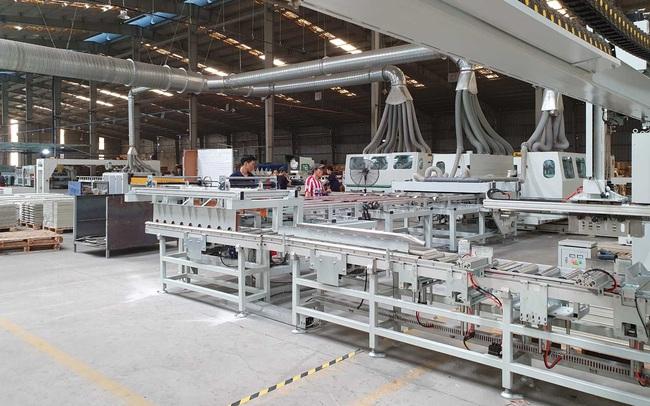 Nhựa Pha Lê (PLP) đẩy mạnh xuất khẩu gạch SPC, cổ phiếu thưởng có thể giao dịch trong tháng 9