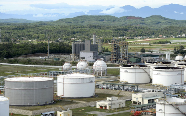 Cổ phiếu dầu khí: Thời điểm dịch chuyển đầu tư sang phân khúc hạ nguồn trong bối cảnh giá dầu thấp