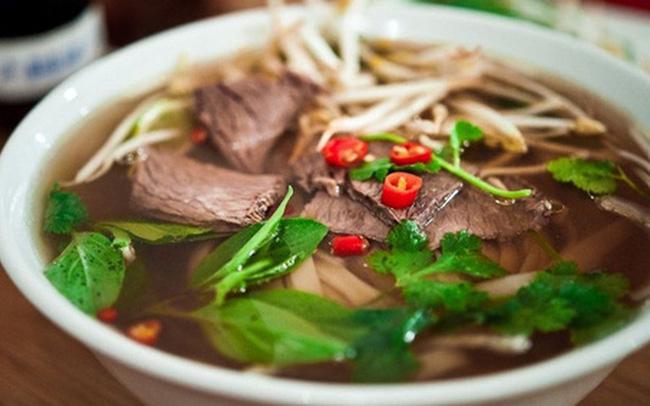 Dân mạng Việt xôn xao với bát phở giá 115 triệu đồng của nhà hàng Mỹ: Đắt đỏ nhưng từ nước dùng đã nấu sai hoàn toàn