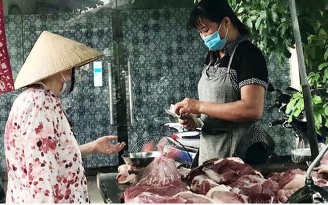 """""""Thịt lợn bắt đầu giảm chứ không còn là giá trên ti vi"""""""