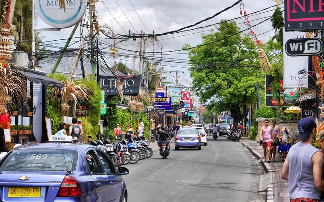 Think tank Hoa Kỳ: Tại sao dân số trẻ và đông gấp gần 3 lần nhưng Indonesia lại tụt hậu về sản xuất và thu hút FDI so với Việt Nam?