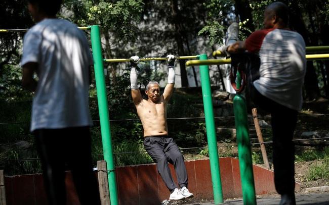 Bắc Kinh bỏ quy định bắt buộc người dân phải đeo khẩu trang nơi công cộng