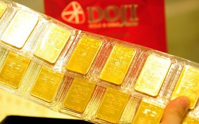 """Giá vàng trong nước cuối tuần tạm """"lặng sóng"""", đắt hơn 2 triệu đồng/lượng so với vàng thế giới"""