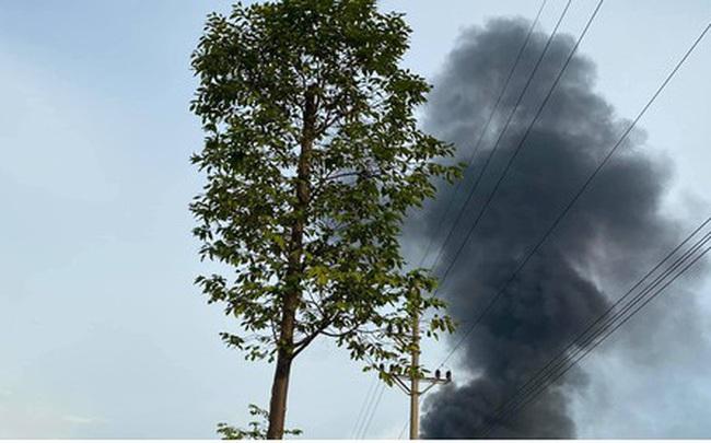 Cháy lớn tại Cụm Công nghiệp Bình Phú - Hà Nội