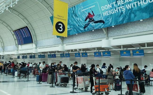 Đưa gần 320 công dân Việt Nam từ Canada về nước