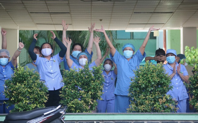 Bệnh viện Đà Nẵng được 'giải phóng' sau gần 1 tháng bị phong tỏa