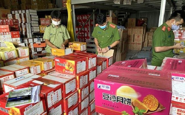 Bánh Trung thu vào mùa: Phát hiện hàng chục nghìn chiếc nhập lậu từ Trung Quốc