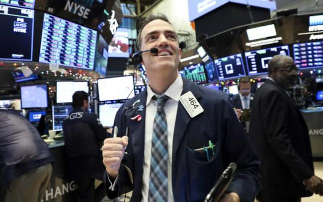 Nhóm công nghệ thăng hoa, S&P 500 và Nasdaq liên tiếp lập đỉnh