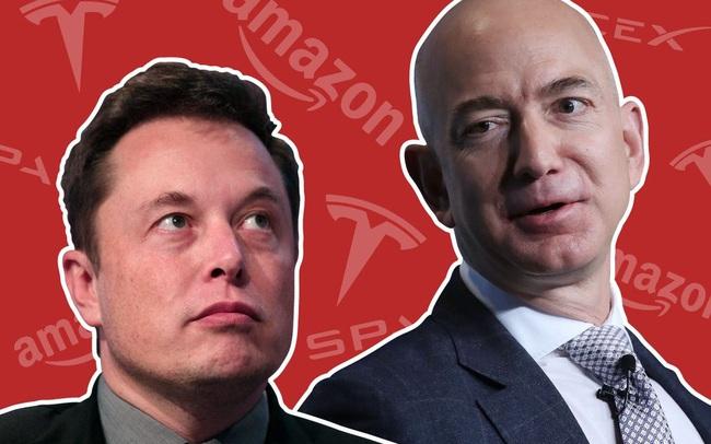 """Elon Musk vừa trở thành 1 trong 4 """"centibillionaire"""" của thế giới, tài sản của Jeff Bezos cũng vượt  200 tỷ USD"""