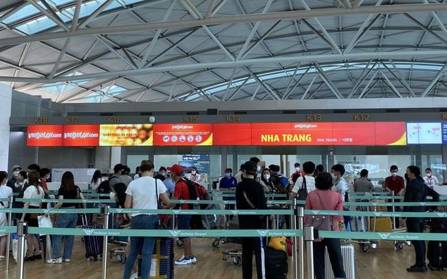 Đưa hơn 250 công dân Việt Nam từ Hàn Quốc về nước an toàn