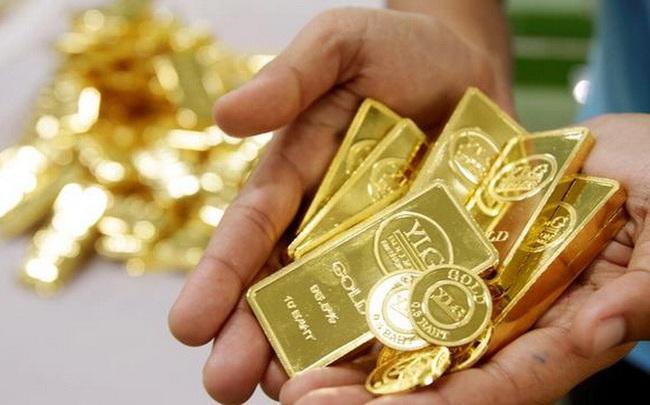 Fed phát tín hiệu về kỷ nguyên lãi suất siêu thấp, giá vàng bật tăng mạnh