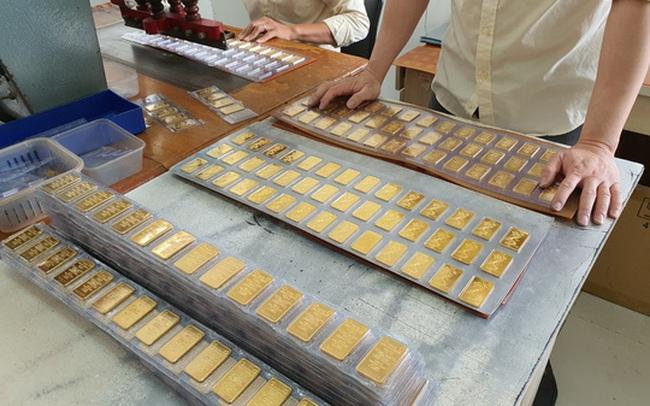 Tiết lộ từ Ngân hàng Nhà nước: Người dân TP HCM đã bán hàng trăm ngàn lượng vàng
