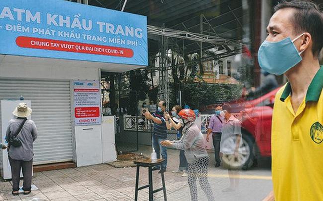 """Cha đẻ """"ATM gạo"""" lần đầu cho ra đời """"ATM khẩu trang"""" miễn phí cho bà con Sài Gòn phòng dịch Covid-19"""