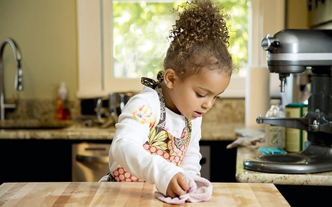 """Điều quan trọng nhất khi dạy con là trau dồi khả năng """"tự trưởng thành"""": Cha mẹ hãy để trẻ độc lập, đừng biến chúng thành """"người đính kèm"""""""