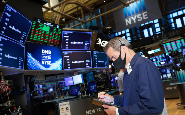 Nhà đầu tư đua nhau 'bắt đáy', cổ phiếu công nghệ đồng loạt hồi phục, Dow Jones tăng hơn 400 điểm