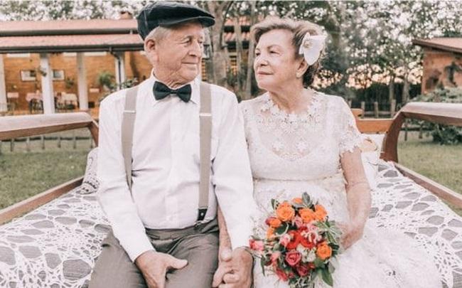 """Tâm lý học chỉ ra 4 """"bí mật"""" của những cặp vợ chồng """"bên nhau trọn đời"""": Vấn đề rất nhỏ nhưng là nền tảng của hạnh phúc gia đình"""