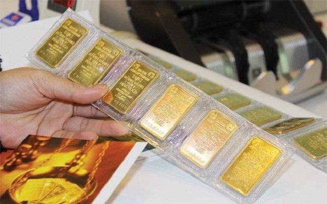 Giá vàng trong nước tiếp tục giảm trong phiên cuối tuần