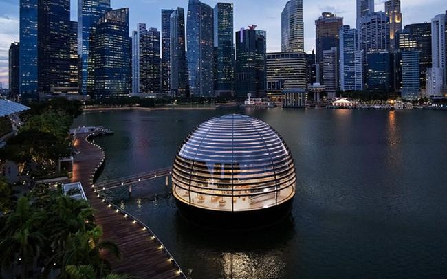 Tham quan Apple Store hình cầu nổi trên mặt nước vừa mới được khai trương tại Singapore