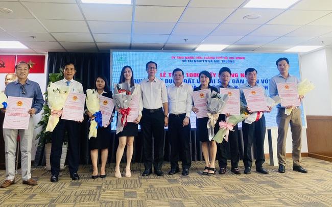 16 dự án nhà ở tại Tp.HCM được trao giấy chứng nhận sổ hồng