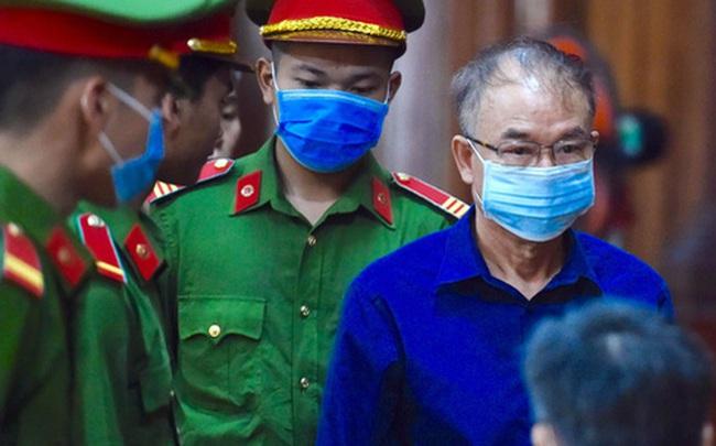 Ông Nguyễn Thành Tài tiều tuỵ hầu toà vụ gây thất thoát 1.927 tỷ đồng