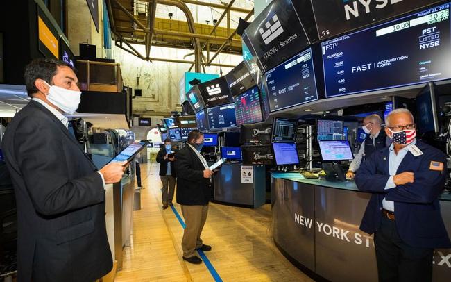 5 lý do khiến thị trường chứng khoán hồi phục quá nhanh và quá mạnh sau khi bị Covid-19 tàn phá
