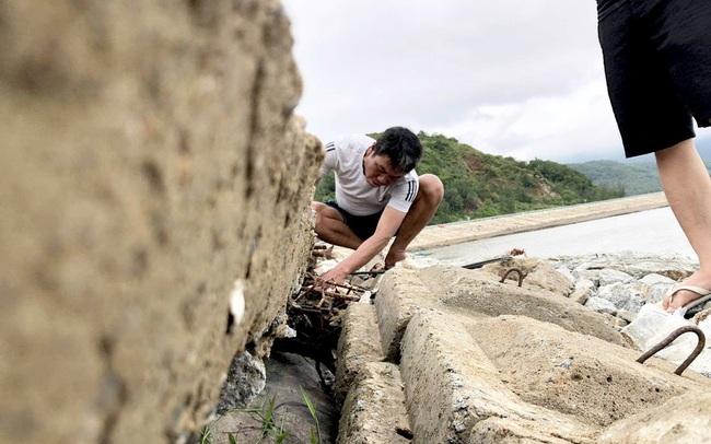 Đê chắn sóng 300 tỷ ở Hà Tĩnh sạt lở, đứt gãy sau bão số 5