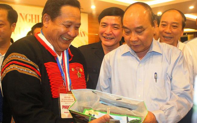 Thủ tướng Nguyễn Xuân Phúc đối thoại với nông dân: Những việc cần làm ngay
