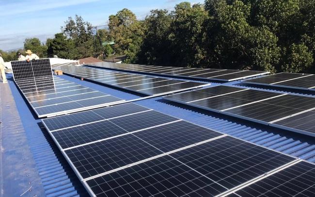 Thứ trưởng Công thương nói gì về việc nhà đầu tư đổ hàng trăm tỷ vào điện mặt trời áp mái nhưng không ký được hợp đồng mua bán vì phải chờ thông tư hướng dẫn?