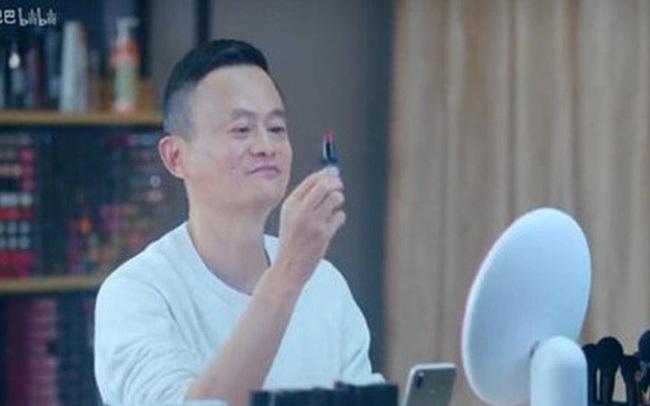 Ngành công nghiệp livestream tỷ đô lời lãi đến mức nào mà đích thân Jack Ma, siêu sao Kim Kardashian online bán hàng?