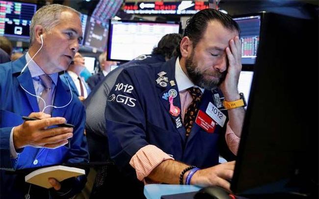 Cổ phiếu công nghệ bị bán tháo mạnh, Dow Jones mất hơn 600 điểm, Nasdaq rơi vào vùng điều chỉnh