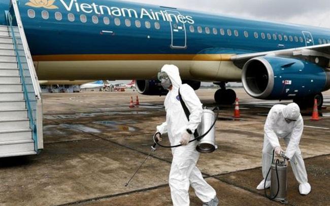Tạm dừng cấp phép chuyến bay từ Anh, Nam Phi về Việt Nam