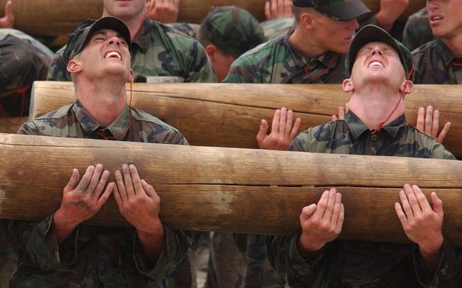 Người cha từng là đặc nhiệm SEAL dạy tôi 4 bài học đơn giản nhưng hiệu quả để đối mặt với cuộc sống đầy khốc liệt: Chuẩn bị kỹ, lựa chọn thông minh, đừng biến đời mình thành mớ hỗn độn!