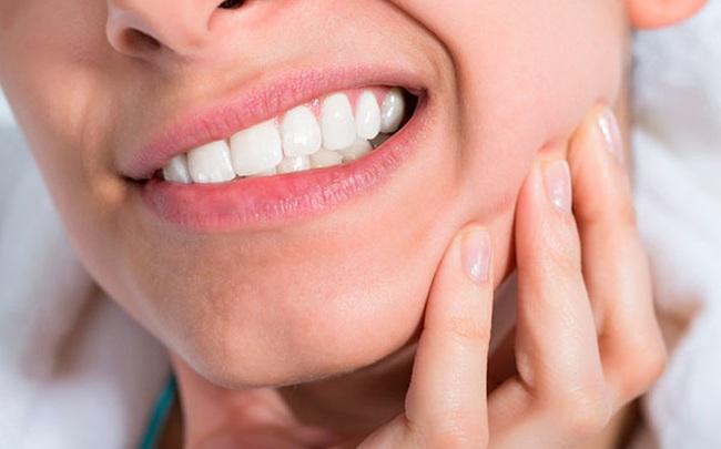 """Tưởng chỉ bị đau răng thông thường, cô gái 28 tuổi """"tá hỏa"""" phát hiện mình mắc ung thư hiếm gặp: Bất kỳ ai cũng không được phép chủ quan!"""