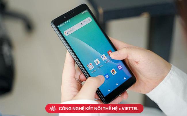 """Đằng sau chiến lược """"bán như cho"""" smartphone quốc dân 4G"""
