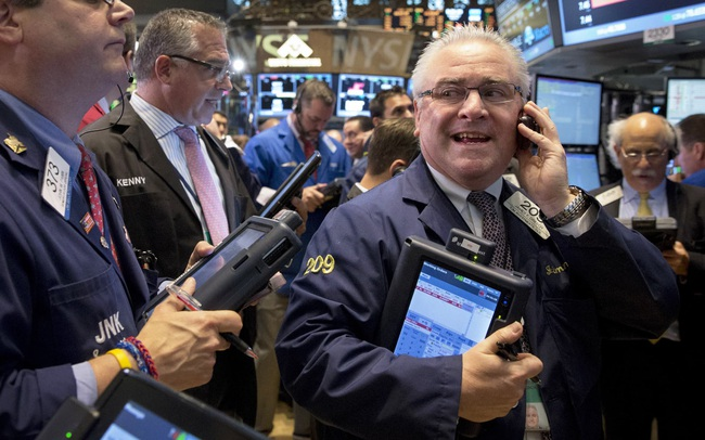 Cổ phiếu công nghệ khởi sắc, Dow Jones tăng hơn 100 điểm