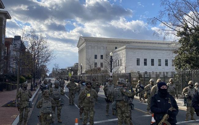 [NÓNG] Xuất hiện mối đe dọa đánh bom ở Tòa án Tối cao Mỹ ngay trước lễ nhậm chức của ông Biden
