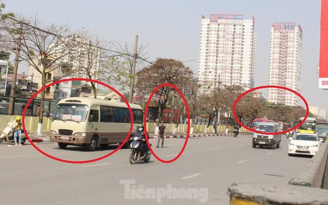 Tận thấy bến cóc, xe dù náo loạn đường phố Hà Nội