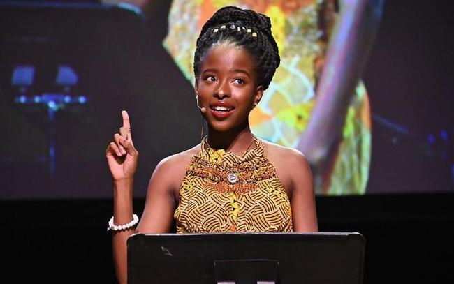 Chân dung cô gái trẻ xinh đẹp được chọn đọc thơ trong lễ nhậm chức của Tân Tổng thống Mỹ Joe Biden