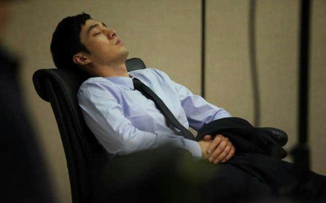 Nam giới thận khỏe mạnh thường có 4 thói quen tốt trước khi ngủ, chỉ cần sở hữu 1 đến 2 cái cũng chứng tỏ thận của bạn đang rất cường tráng