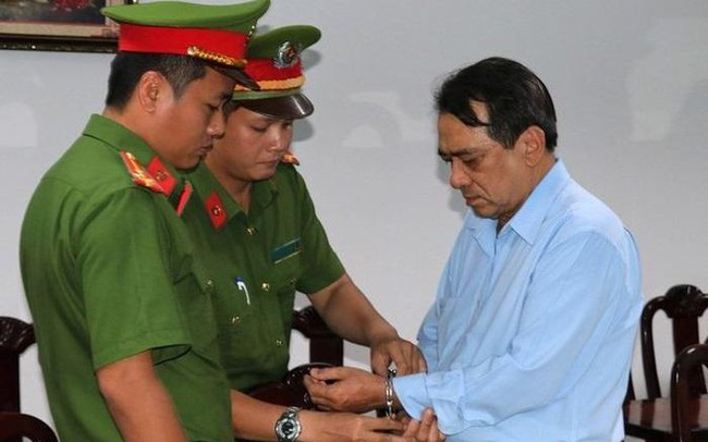 Vì sao chánh văn phòng Sở Y tế Tiền Giang bị bắt?