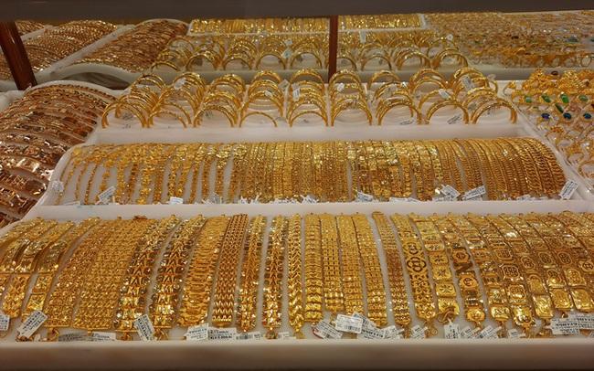 Giá vàng hôm nay 26-1: Tăng giảm sốc, Mỹ trì hoãn gói kích thích kinh tế 1.900 tỉ USD